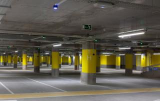 iluminacion-de-emergencia-en-parking